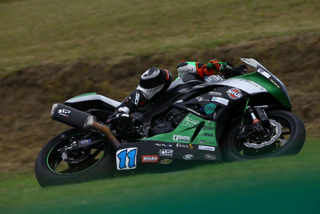 ZX10-R Team Go Eleven com escape Spark