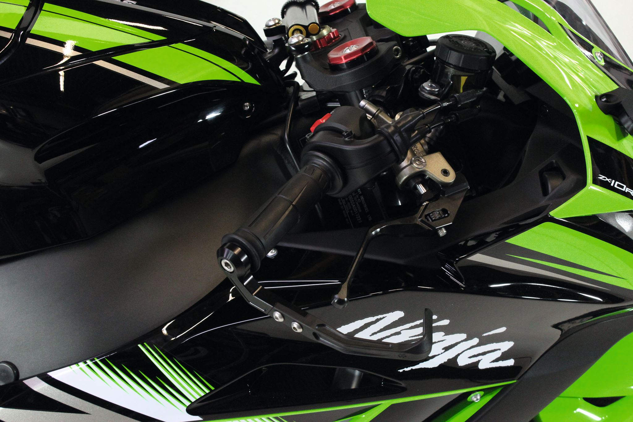 ZX-10R Gilles Tooling - Levers and Lever Guards